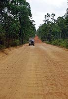 Wellblech auf den Bypass Roads der Telegraph Road, Cape York, QUE